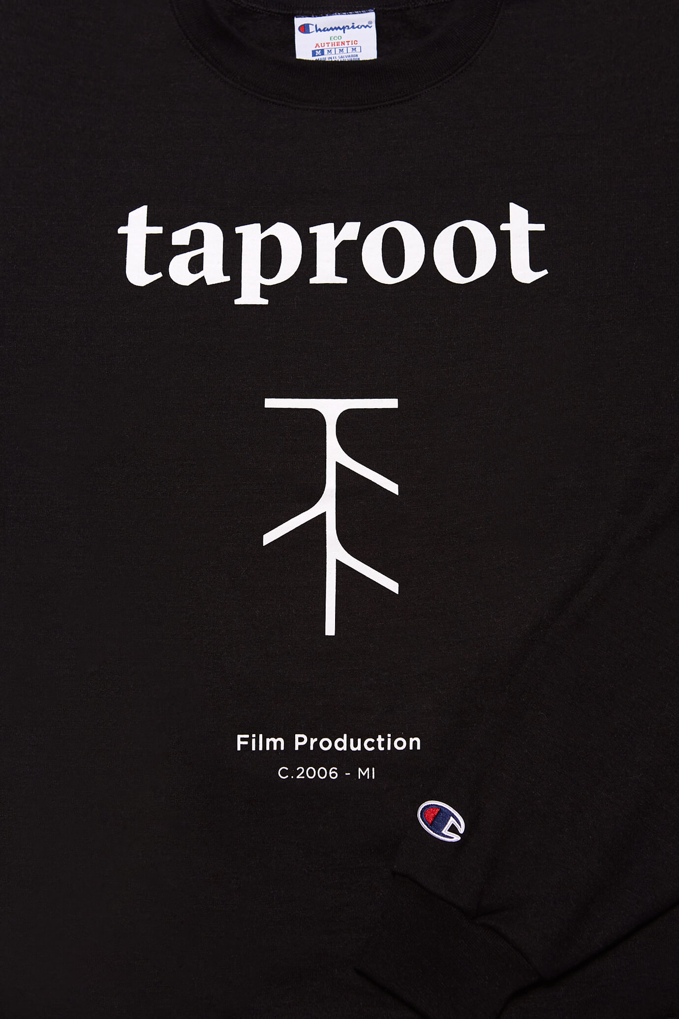 taproot pictures champion crew neck in black close